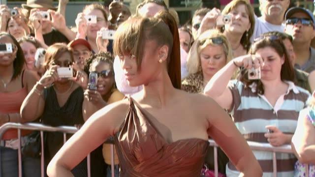tyra banks at the 2007 daytime emmy awards at the kodak theatre in hollywood, california on june 15, 2007. - タイラ・バンクス点の映像素材/bロール