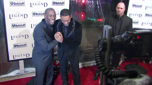 tyrese and will smith at the 'i am legend' premiere at madison square garden in new york new york on december 11 2007 - tyrese stock videos & royalty-free footage