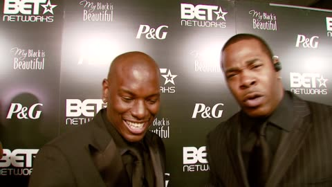 stockvideo's en b-roll-footage met tyrese gibson and busta rhymes on why it's the perfect way to spend the night before the bet awards, and busta on tyrese's film at the pre-bet awards... - black entertainment television