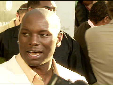 tyrese gibson at the 'waist deep' premiere at the cinerama dome at arclight cinemas in hollywood california on june 15 2006 - tyrese stock videos & royalty-free footage