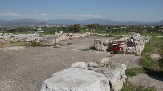 Tyrins, the central court with the Royal megaron, in the acropolis