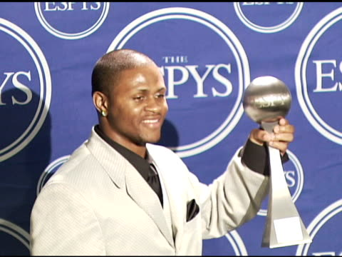 tyrone prothro of the university of alabama crimson tide winner best play at the 2006 espy awards press room at the kodak theatre in hollywood... - crimson tide stock videos & royalty-free footage