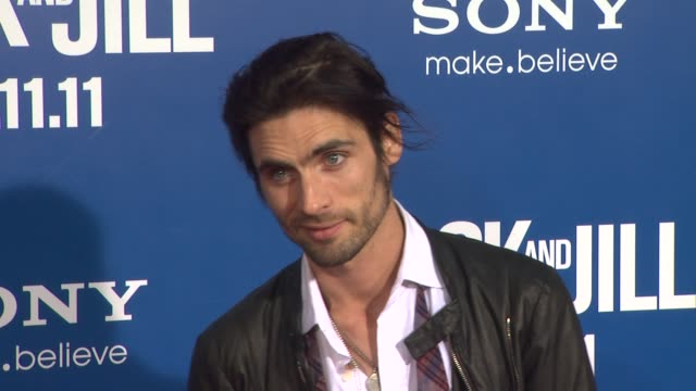 tyson ritter at the 'jack and jill' world premiere at westwood ca - ウェストウッド地区点の映像素材/bロール