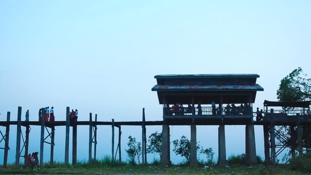 vídeos y material grabado en eventos de stock de puente u bein de teca el lago taungthaman en amarapura, mandalay, myanmar - myanmar