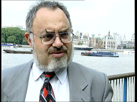 london: stanton friedman intvwd sot - ufo stock videos & royalty-free footage