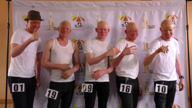 vídeos de stock, filmes e b-roll de uganda holds its first ever beauty contest for people with albinism - aço