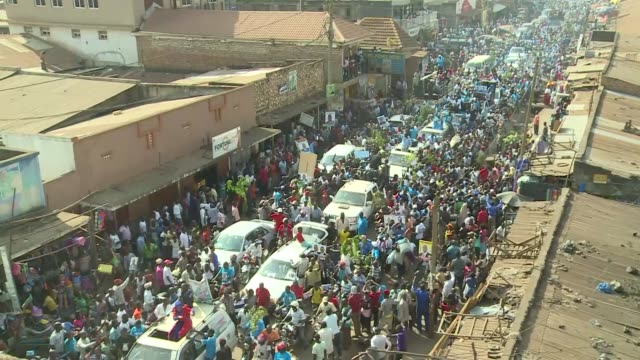vidéos et rushes de uganda is heading into presidential elections in early 2021. kiiza besigye who has tightly contested against president museveni has quit coming back... - kampala