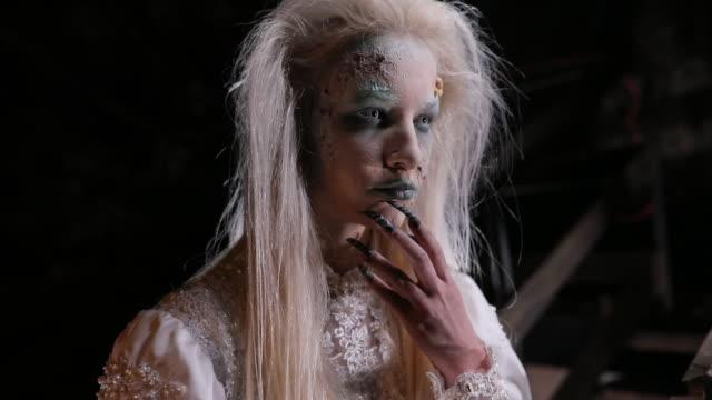 醜い魔女 - 魔術師点の映像素材/bロール