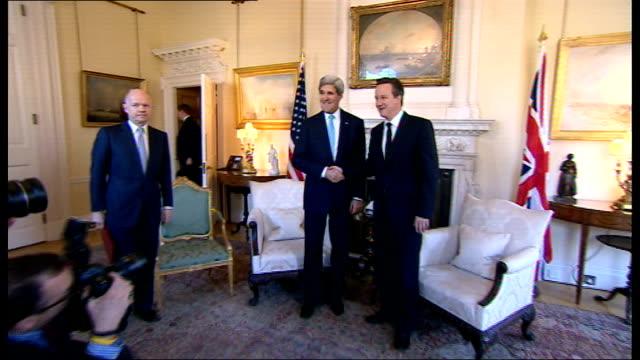 London talks fail to achieve diplomatic breakthrough ENGLAND London Downing Street PHOTOGRAPHY ** John Kerry photocall handshake standing with David...