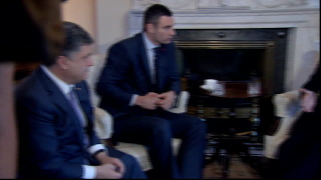 obama calls for nato alliance against russia's 'brute force' over ukraine crisis england london vitali klitschko sat talking to david cameron mp and... - ukraine stock-videos und b-roll-filmmaterial