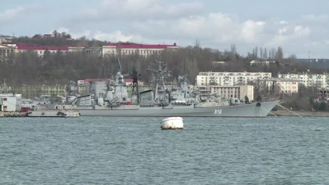 ukraine's defence minister said sunday his forces in crimea had reached a temporary truce with russia aimed at easing tensions surrounding the black... - sevastopol crimea stock videos and b-roll footage
