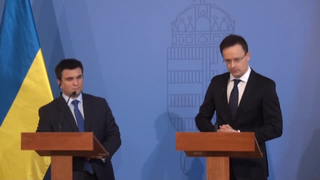 ukrainian foreign minister pavlo klimkin and hungarian foreign minister peter szijjarto hold a joint press conference after their meeting in... - ungarische kultur stock-videos und b-roll-filmmaterial