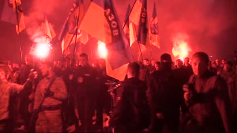 vídeos de stock, filmes e b-roll de ukrainian nationalists and servicemen of the azov battalion demonstrate during the march marking the 72nd anniversary of the ukrainian insurgent army... - ucrânia