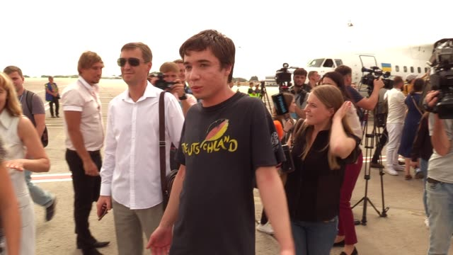 ukrainian pavlo grib who was jailed in russia walks upon his arrival during a welcoming ceremony after russiaukraine prisoners swap at the boryspil... - political prisoner stock videos & royalty-free footage