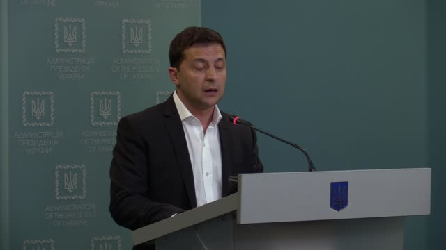 ukrainian president volodymyr zelensky speaks during a press conference in kiev ukraine on 1 october 2019 president of ukraine volodymyr zelensky... - ukraine stock videos & royalty-free footage