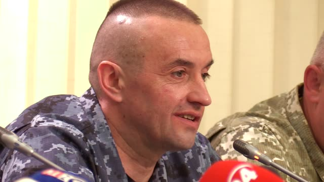 ukrainian sailor electrician of the small armored artillery boat 'nikopol' andriy oprysko speaks during a joint press conference of released... - 発電所関係の職業点の映像素材/bロール