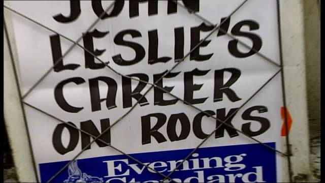 stockvideo's en b-roll-footage met man named ext i/c cs newspaper board with poster 'john leslie career on rocks' i/c neil hamilton interview sot we used to have a system called... - ulrika jonsson