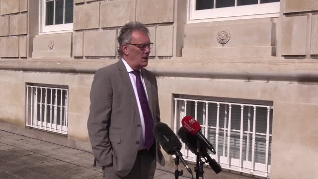 """vídeos y material grabado en eventos de stock de ulster unionist mla mike nesbitt said the decision by the pps not to prosecute those who attended the bobby storey funeral was """"extraordinary"""". - provincia de ulster"""