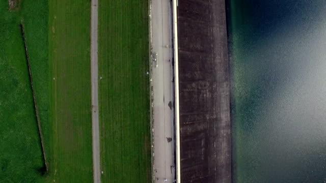 ultental zoggler resevoir aerial view - stausee stock-videos und b-roll-filmmaterial