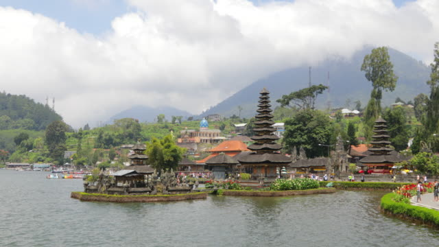 pura ulun danu bratan - pura ulu danau temple stock videos & royalty-free footage