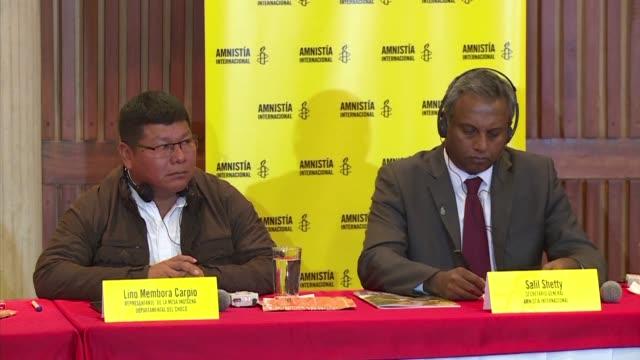 A un ano de la firma del acuerdo de paz con las FARC indigenas y afrodescendientes colombianos siguen sufriendo las incursiones de otros grupos...