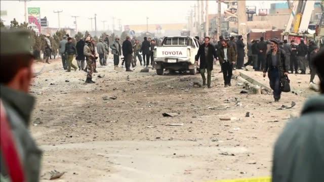 vídeos de stock, filmes e b-roll de un atentado suicida de los talibanes contra la mision policial de la union europea en afganistan mato este lunes en kabul a un civil afgano - civil