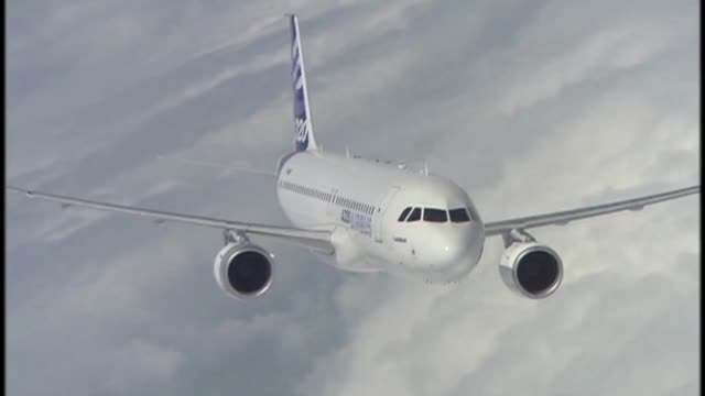 Un avion Airbus A320 de la compania Germanwings se estrello este martes en los Alpes franceses con 150 personas a bordo cuando cubria la ruta entre...