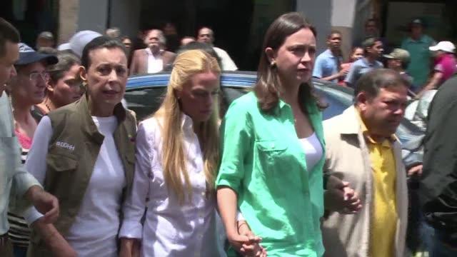 un grupo de 27 exmandatarios de espana y latinoamerica difundieron el lunes una declaracion en la que instan al gobierno de venezuela crear un clima... - acanthaceae stock videos & royalty-free footage
