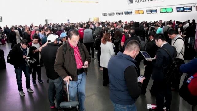 Un grupo de pilotos de Aeromexico realizo un paro de labores de unas horas el martes que provoco la cancelacion de mas de 40 vuelos en el aeropuerto...