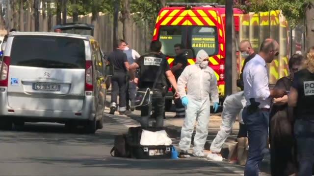 Un hombre atropello el lunes dos paradas de autobus en la ciudad francesa de Marsella y dejo al menos una persona fallecida y otra herida grave
