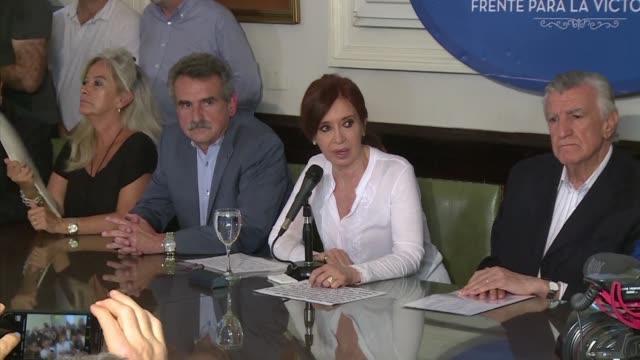 Un juez argentino pidio prision preventiva para la expresidenta Cristina Kirchner el jueves al acusarla de traicion a la patria por orquestar un plan...
