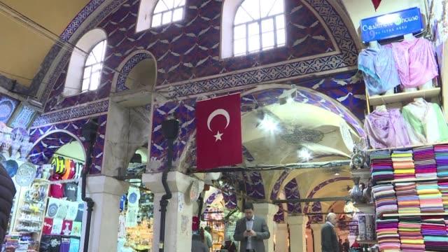 un nuevo proyecto de restauracion multimillonaria trata de modernizar el gran bazar de estambul el mayor mercado cubierto del mundo por primera vez... - grand bazaar istanbul stock videos & royalty-free footage