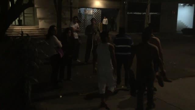 Un sismo de mediana intensidad asusto la madruga del lunes a los mexicanos dos dias despues de un terremoto de 72 grados de magnitud