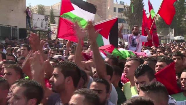 un total de 30 palestinos y siete israelies han muerto desde que a principios de octubre se destara una nueva escalada de violencia en los... - palestina stock videos and b-roll footage