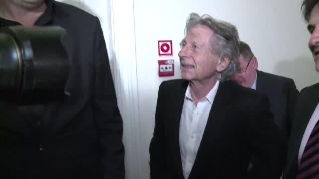 Un tribunal de Polonia denego el viernes la extradicion a Estados Unidos del cineasta franco polaco Roman Polanski acusado por la violacion en 1977...