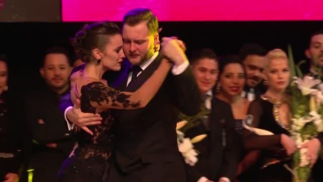 una bailarina argentina y un ruso ganaron el martes por la noche el premio mayor que otorga el mundial de tango en la categoria pista la mas... - bailarina stock videos & royalty-free footage