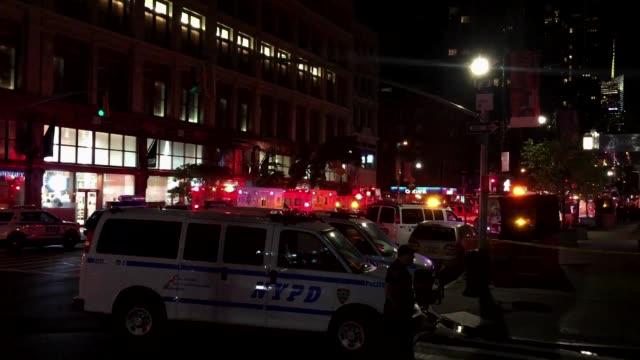 una explosion sacudio la noche del sabado el elegante barrio de chelsea en nueva york y dejo 29 herido - terrorismo stock videos & royalty-free footage