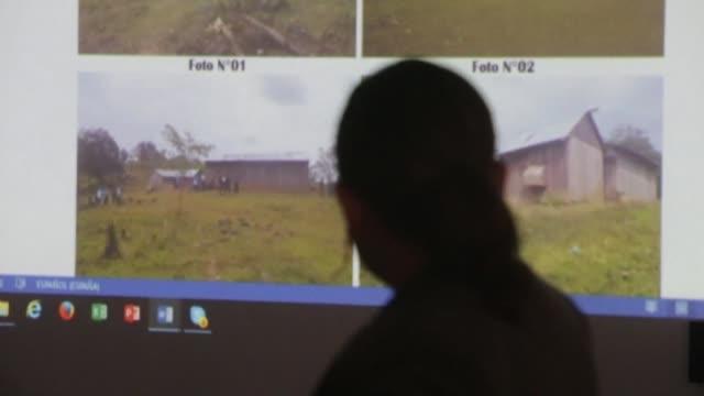 stockvideo's en b-roll-footage met una mujer nicaraguense quemada en un exorcismo que causo indignacion mundial fue golpeada y permanecio sin agua ni alimentos durante la semana previa... - agua