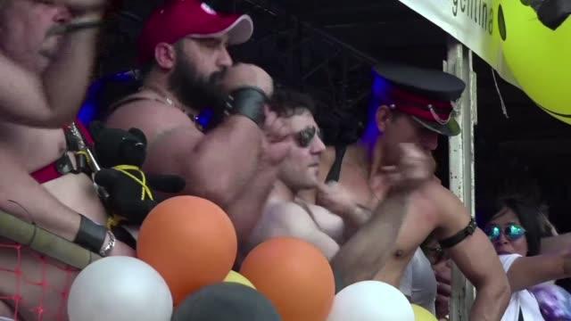 una multitudinaria marcha por el orgullo homosexual se realizo este sabado en argentina en un clima de fiesta por los derechos legales obtenidos en... - igualdad stock videos and b-roll footage