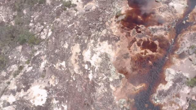 vídeos de stock, filmes e b-roll de rio una no parque nacional da chapada diamantina - clima árido