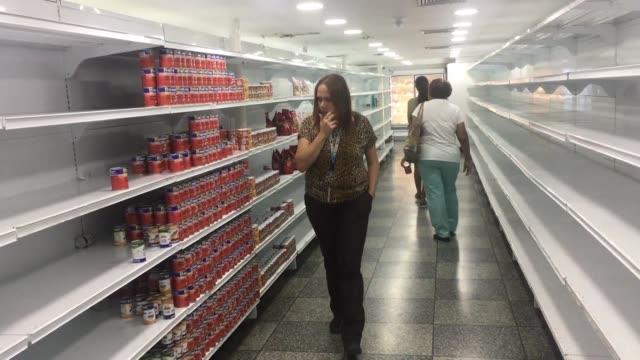 Una semana despues del arranque del plan economico de Nicolas Maduro hay mas dudas que certezas de que pueda sacar a Venezuela del colapso en las...