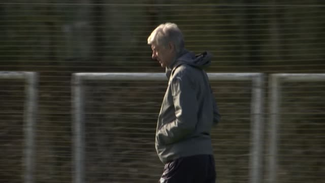 Unai Emry appointed as Arsenal manager LIB / London Colney EXT **Emery press conference partly overlaid SOT** Arsene Wenger along at training session