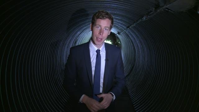 stockvideo's en b-roll-footage met kelvedon hatch secret nuclear bunker england essex kelvedon hatch secret nuclear bunker int reporter to camera - hatch