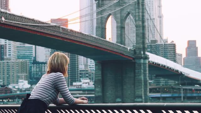 Unter der Brooklyn Bridge
