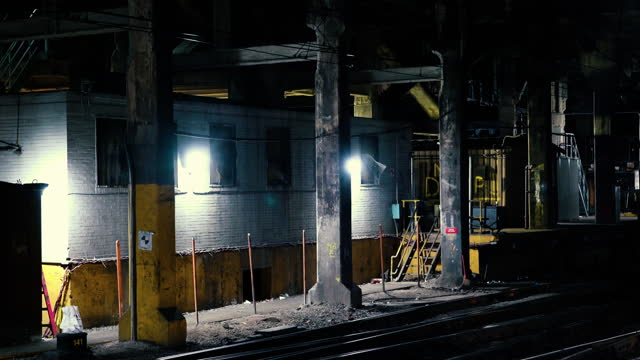 underground train tunnel - nyc 2021 - new york city penn station stock videos & royalty-free footage