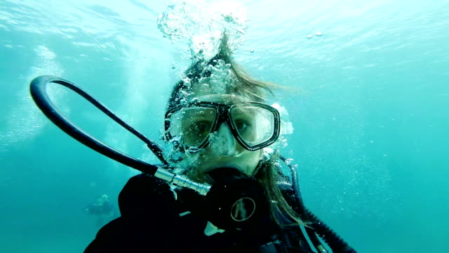 underwater selfie - scuba diving stock videos & royalty-free footage