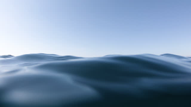 vídeos de stock e filmes b-roll de underwater - superfície de água
