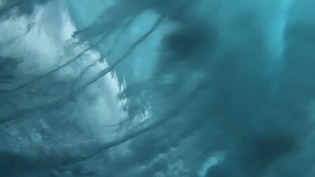 Underwater Wave 2