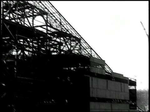 vídeos de stock e filmes b-roll de unfinished business - 11 of 19 - veja outros clipes desta filmagem 2507