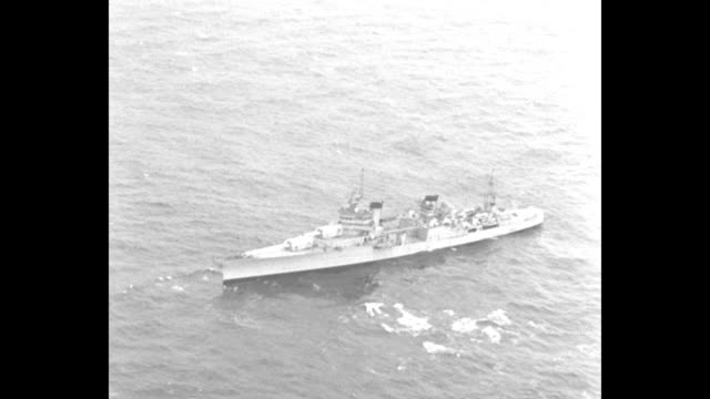 vidéos et rushes de vs unid us warship / small boat in choppy water / another unid ship / note exact day not known - océan atlantique